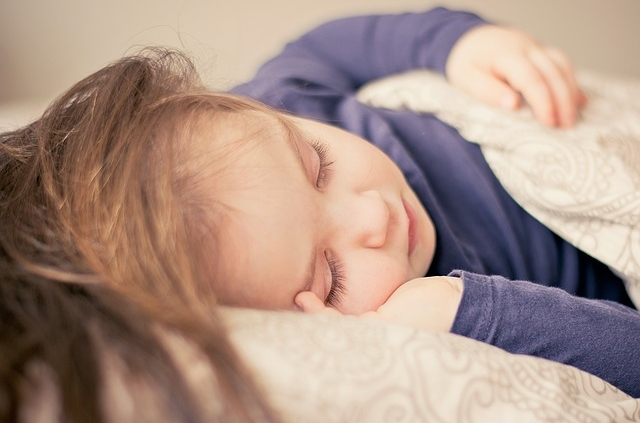 So lernen Kinder das Schlafen